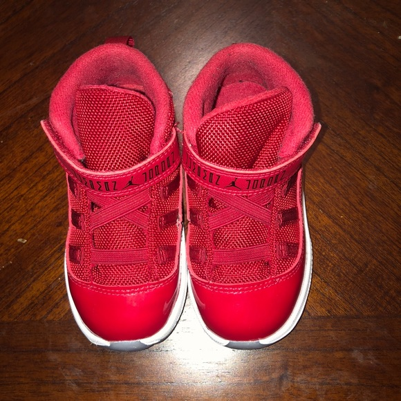 sale retailer 7f04a 09b9a Jordan Retro 11 Red toddler
